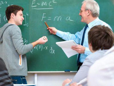Khi giáo viên đi buôn đất, vì 'dạy hoài sao giàu nổi'